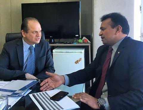 Secretário Fábio Abreu em audiência com o ministro da Saúde, Ricardo Bastos