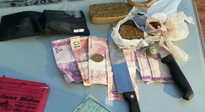 Droga, dinheiro e arma apreenddios com os detentos