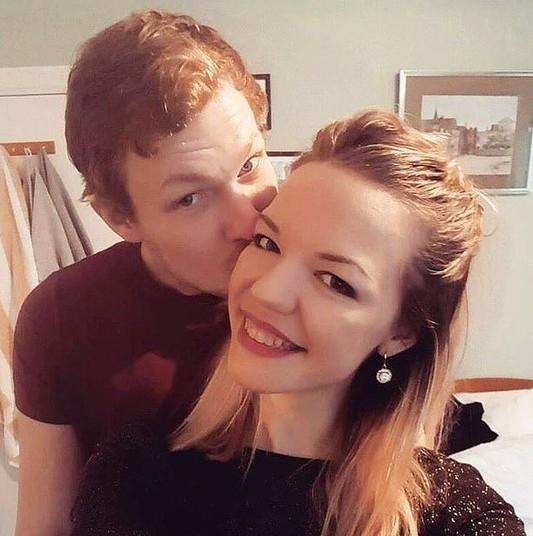 Isabelle é casada com o britânico, Andrew Wilkie