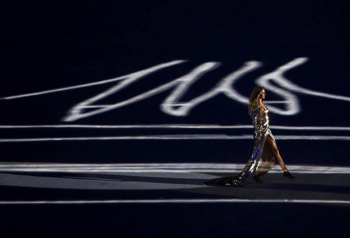 Gisele Bündchen arrasou na cerimônia de abertura  (Crédito: Reuters)