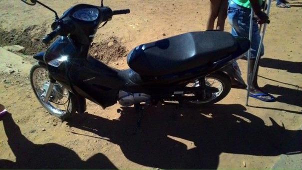 Acidente entre motocicletas deixa mulher ferida em Oeiras (Crédito: Oeiras)