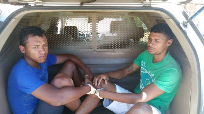 Jovens são presos com moto roubada na zona Sudeste de Teresina (Crédito: Reprodução)