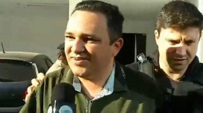 Momento da prisão do prefeito Delano Parente