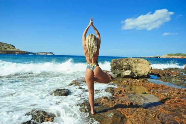 Fernanda Lacerda em Ibiza (Crédito: João Passos / MF Models Assessoria)