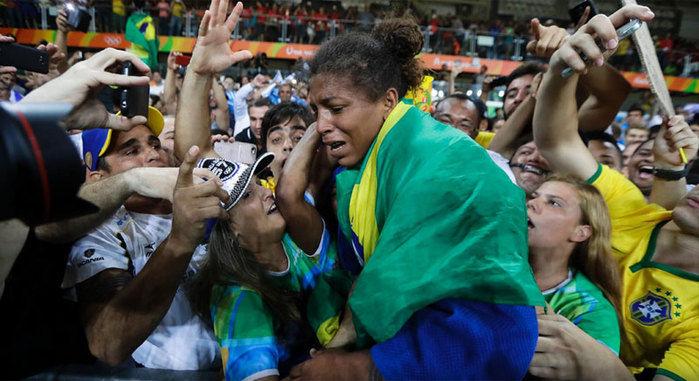 Rafaela Silva conquista medalha de ouro  (Crédito: AP)