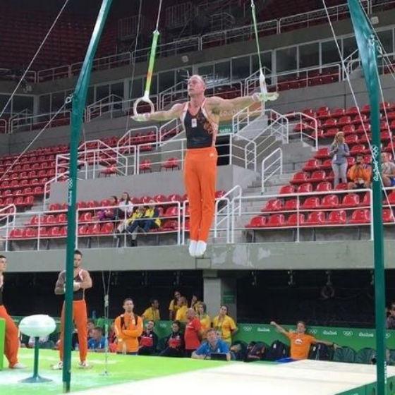 Ginasta holandês Yuri van Gelder treinando na Arena de Ginástica (Crédito: Reprodução)