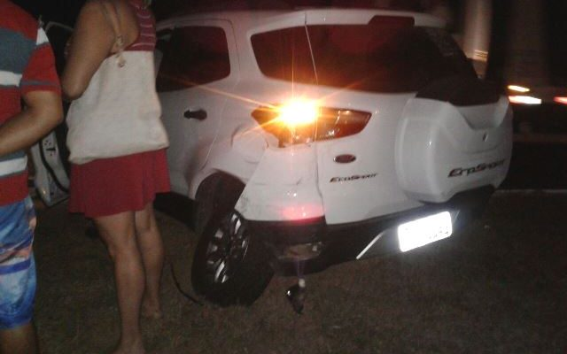 Acidente entre dois veículos (Crédito: Reprodução)