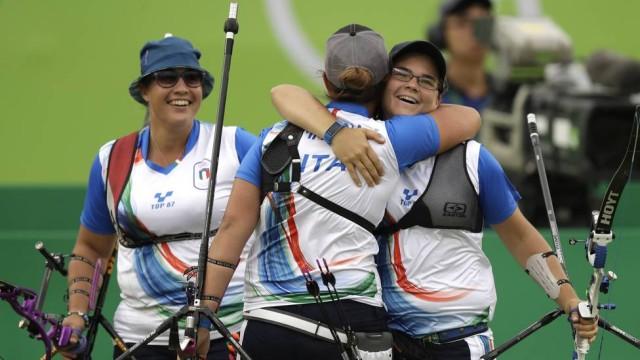 Guendalina, Claudia e Lucilla: chamadas de 'gordinhas' por diário esportivo italiano (Crédito: AP)