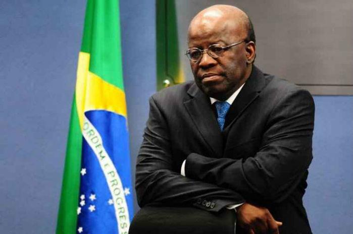 Joaquim Barbosa critica cassação de Dilma Rousseff