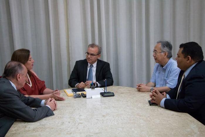 Reunião do prefeito com representante japonês  (Crédito: Reprodução)