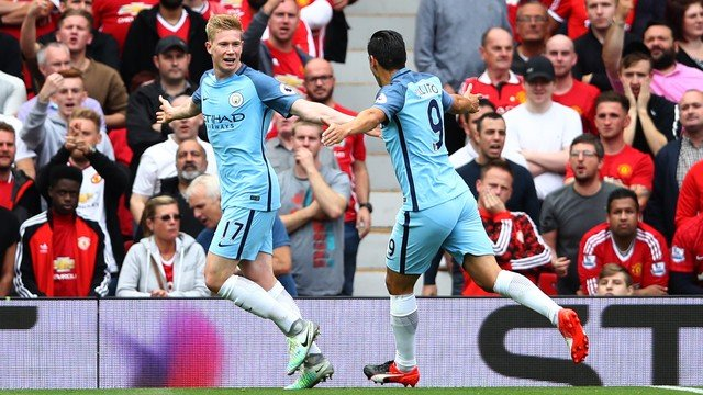 De Bruyne comemora o primeiro gol do City (Crédito: Getty)