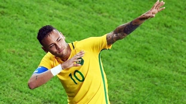 Neymar faz a festa durante jogo da seleção (Crédito: Getty)