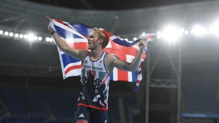 Jonnie Peacock conquistou a medalha de ouro nos 100m na classe de atletas amputados dos membros inferiores (Crédito: Xinhua/Purbu Zhaxi)