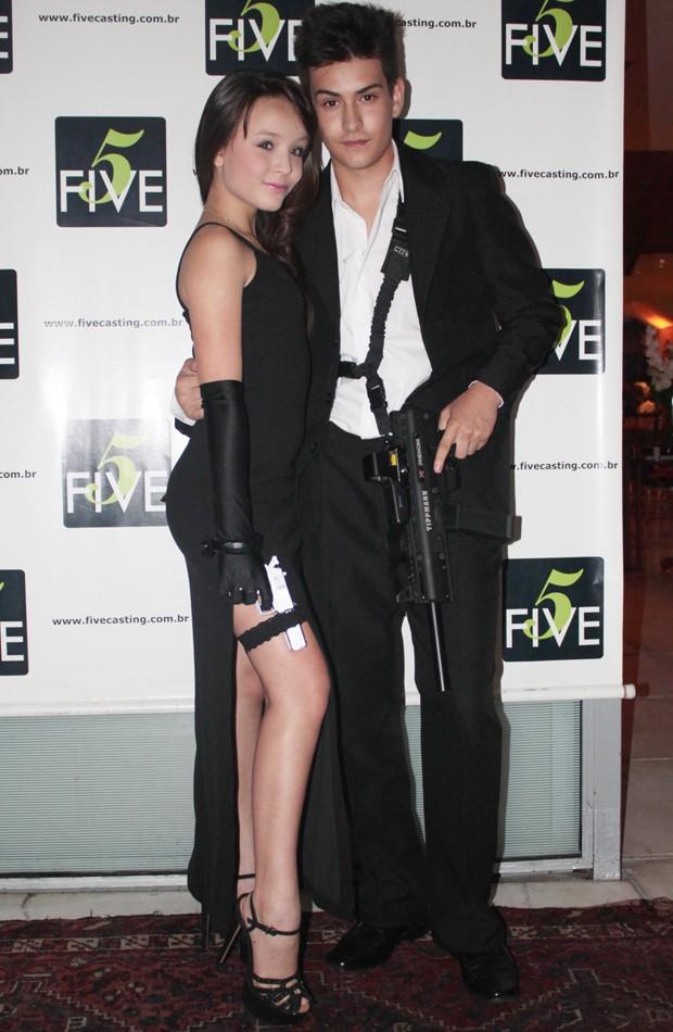 Larissa Manoela e o namorado (Crédito: Reprodução)