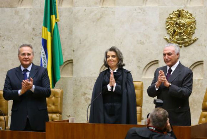 Cármen Lúcia assume presidência do STF