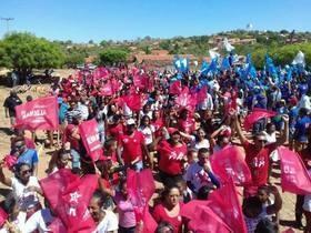 PP e PT realizam Carreata e caminhada por ruas da cidade