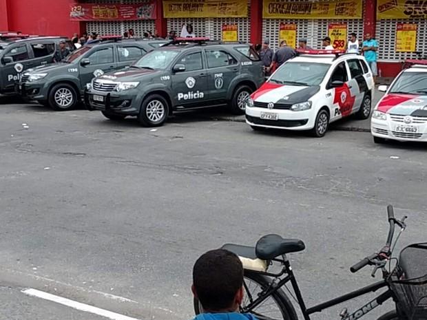Tiroteio ocorreu dentro de supermercado (Crédito: Reprodução)