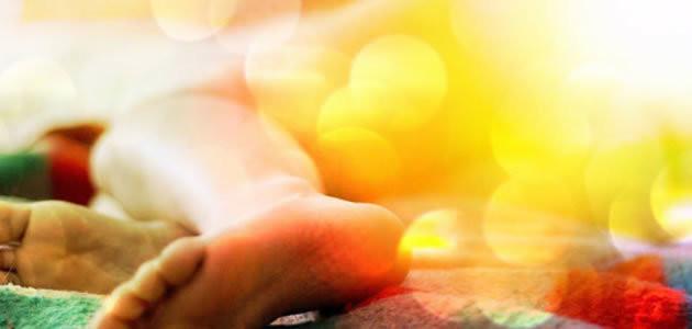 8 benefícios que dormir pelado pode trazer para saúde