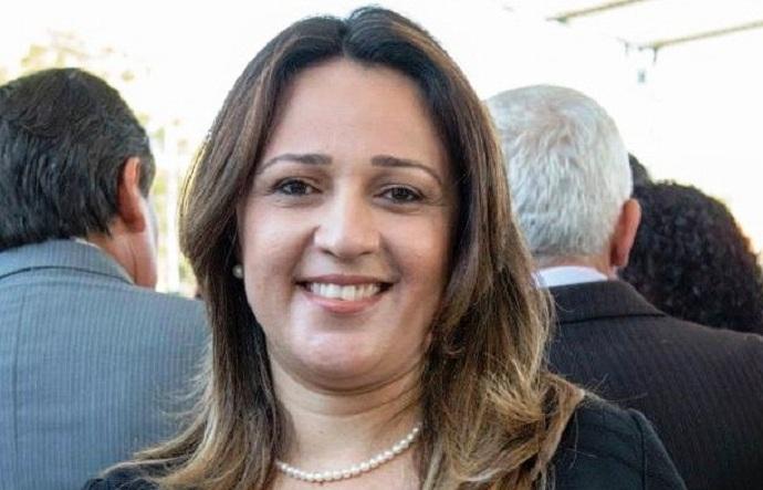 Secretária da Educação, Rejane Dias
