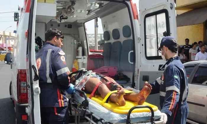 Homem é preso após esfaquear namorada em Minas Gerais (Crédito: Reprodução)