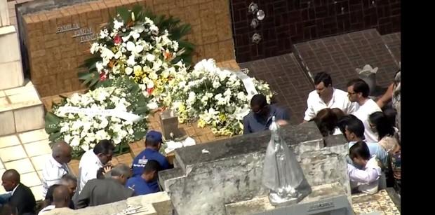 Corpo de Domingos Montagner é enterrado (Crédito: Reprodução)