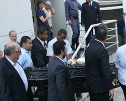 Domingos Montagner é enterrado com presença de multidão