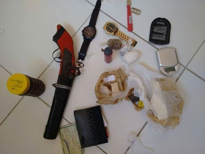 Material encontrado com os três acusados (Crédito: Divulgação)