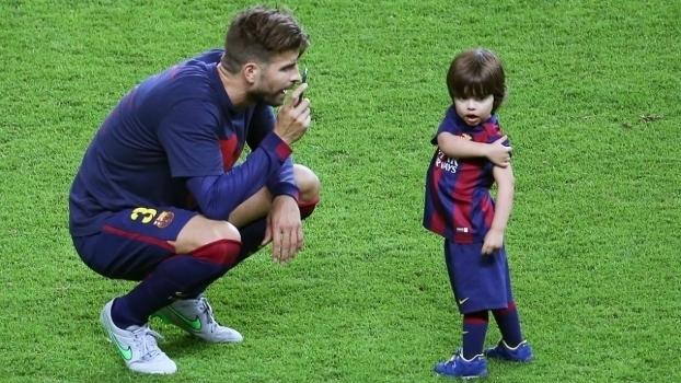 Piqué e seu filho, Milan (Crédito: Getty)