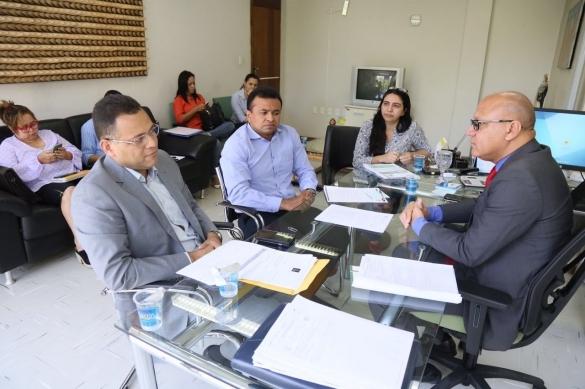 Fábio Abreu, e o secretário de Estado da Administração e Previdência, Franzé Silva