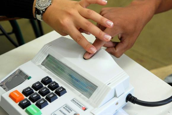 Votação biométrica será usada nas eleições de outubro deste ano (Crédito: Agência Brasil)