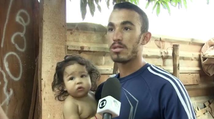O catador João Rodrigues Cerqueira, que devolveu US$ 1,4 mil achados no lixo, no DF (Crédito: Reprodução)