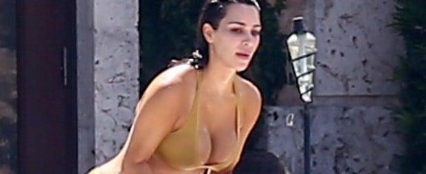 f3cbb30a4 Kim Kardashian usa fio-dental