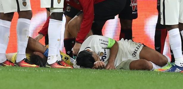 Falcao Garcia se chocou com o goleiro da equipe adversária  (Crédito: Reprodução)