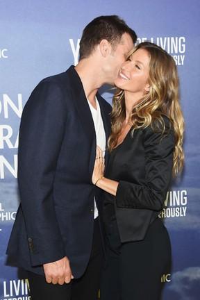 Gisele Bündchen troca carinhos com Tom Brady em Nova York (Crédito: Reprodução)