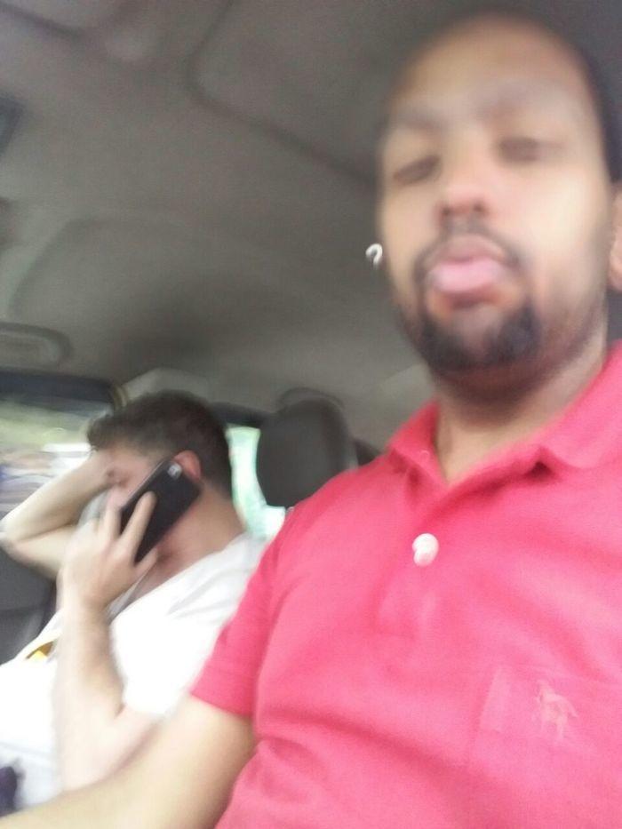 Fábio Assunção com taxista (Crédito: Reprodução)