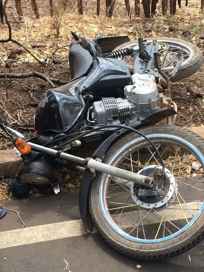 Motocicleta que a vítima andava (Crédito: Portal Kaenga)