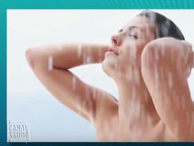Faz mal molhar a cabeça após uma refeição?