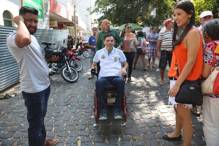 Amadeu Campos fez caminhada no centro da cidade (Crédito: Efrém Ribeiro)