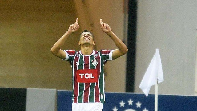 Cícero marca aos 49 do 2º tempo e dá vitória ao Fluminense