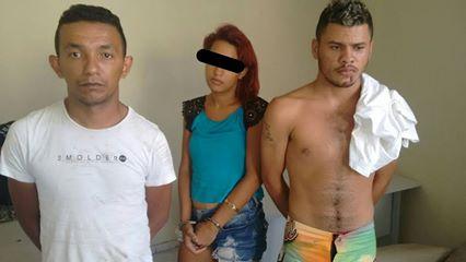 Menor é apreendida e dois jovens são presos com arma de fogo   (Crédito: Reprodução)