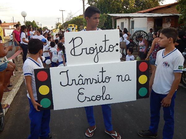 Educação de Lagoinha Realizou Caminhada sobre o Trânsîto