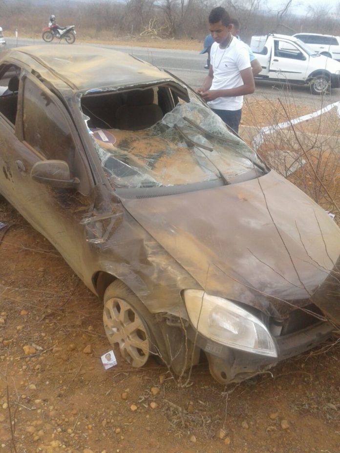 Carro de José Bonifácio ficou danificado (Crédito: Divulgação)
