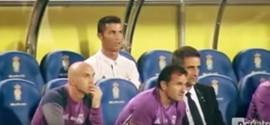 Vídeo mostra Cristiano Ronaldo irritado ao ser substituído em jogo