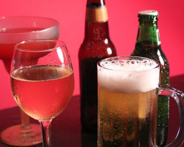 Nova substância poderia substituir o álcool tradicional até 2050, segundo inventor (Crédito: Reprodução)