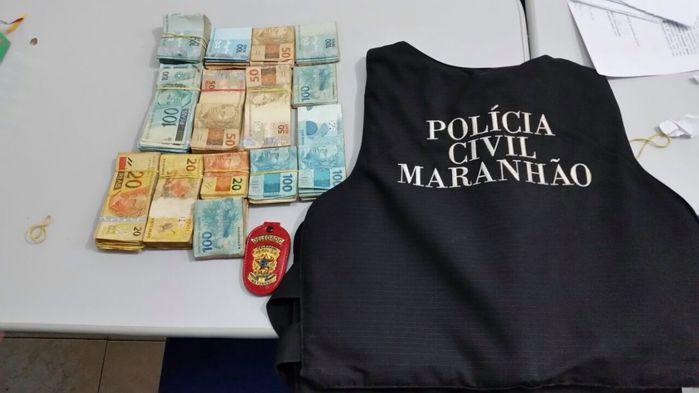 Dinheiro encontrado na aeronave (Crédito: Polícia Civil/MA)