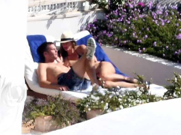 Tom Brady é flagrado pelado, trocando com Gisele Bundchen na Itália (Crédito: Reprodução)