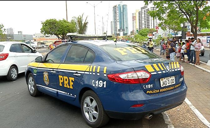 Polícia Rodoviária Federal (PRF) esteve no local (Crédito: Rede Meio Norte)