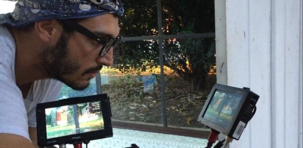 """Leandro Pagliaro é quem opera a câmera que reproduz o olhar de Santo em """"Velho Chico"""" (Crédito: Reprodução)"""