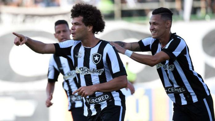 Botafogo vence Grêmio por 2 a 1