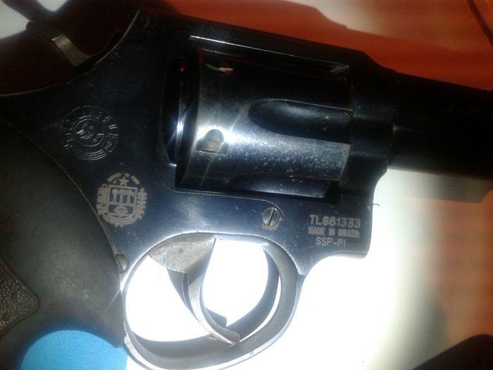 Homem é preso com arma de fogo e droga na região do grande Dirceu (Crédito: Reprodução)